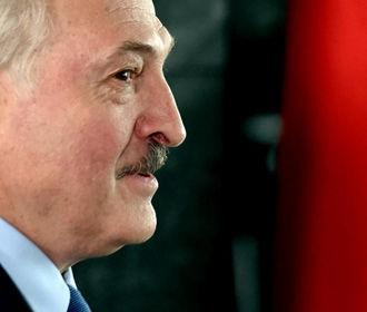 """Лукашенко пообещал """"разобраться"""" с противниками действующей власти в Беларуси"""