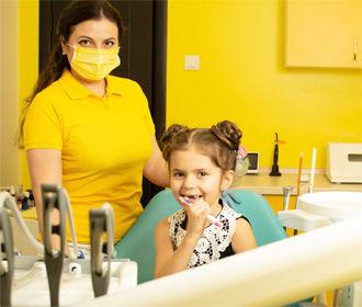 Профессиональная ультразвуковая чистка зубов в Ирпене
