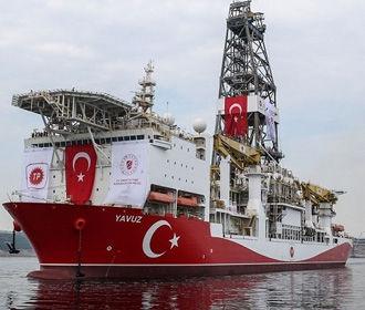 Греческий фрегат выдворил турецкое судно из спорных вод