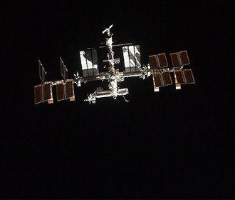Российские космонавты обнаружили новую трещину на МКС