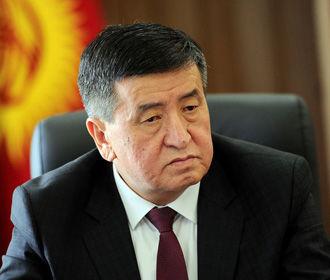 Президент Кыргызстана ввел в столице режим ЧП
