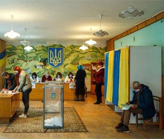 Большинство проголосовавших на местных выборах старше 50 лет