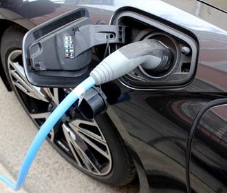 Продажи электрокаров в Украине упали на 20%