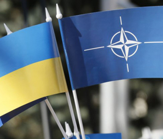 Президент Украины передаст генсеку НАТО предложения по расширенному партнерству