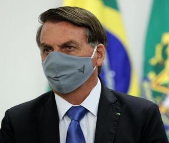 Президента Бразилии обвинили в 600 тысячах COVID-смертей