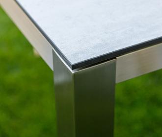Мебель из нержавейки: достоинства и особенности использования