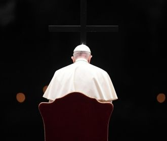 Зеленский поблагодарил Папу Римского за молитву о мире на Донбассе
