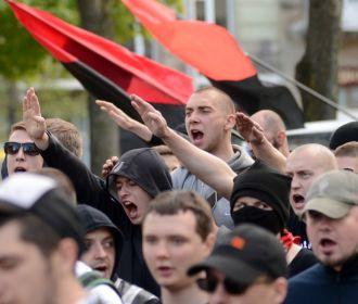 """За зигование в центре Киева активиста """"Мовного патруля"""" накажут мелким штрафом либо исправительными работами"""