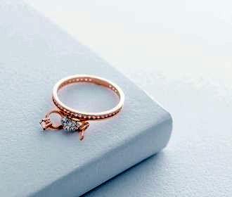 Какое можно найти золотое кольцо с камнем? Mono Jewelry дает подсказки