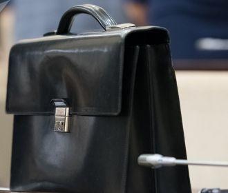 Опубликовали закон, позволяющий работать на госслужбе до 70 лет
