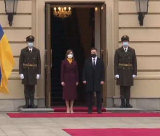 Зеленский пригласил Санду на 30-летие независимости Украины