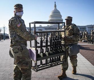 В США полиция усиливает меры безопасности возле Капитолия из-за угрозы новых беспорядков