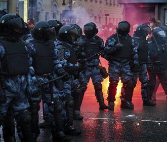 Берлин призывает освободить Навального и задержанных на акциях 23 января