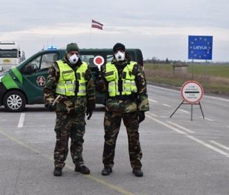 Латвия на две недели запрещает въезд в страну