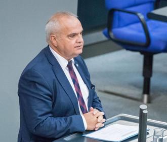 Закрытие каналов, введение санкций в отношении граждан Украины, отжим бизнеса похоже на то, что делали нацисты в 30-е годы в Германии, - депутат Бундестага