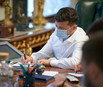 Зеленский подписал закон о предотвращении чрезмерного давления на бизнес