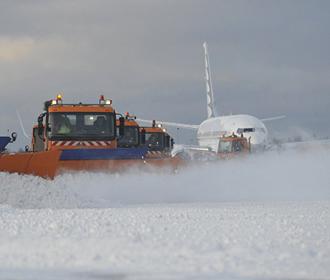 Аэропорт уборка снега