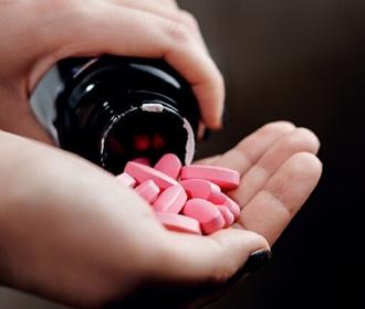 Великобритания собирается к осени выпустить таблетки от коронавируса