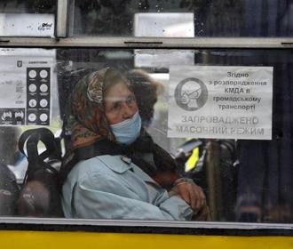 Локдаун в Киеве может стать еще жестче из-за переполненного транспорта - мэр