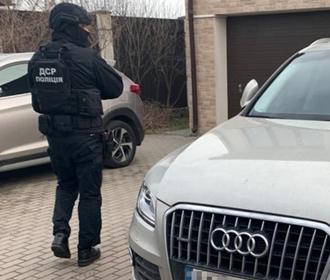 Полиция разоблачила международную мошенническую схему с миллионными оборотами