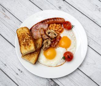 Эксперты объяснили, почему полезно рано завтракать