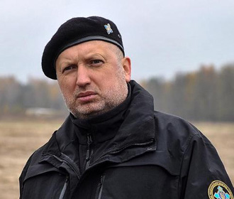 Турчинов: позорно отводить войска вместо того, чтобы освобождать родную землю
