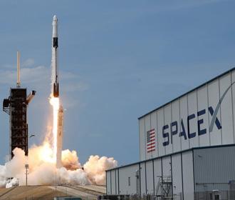 SpaceX будет доставлять астронавтов на Луну