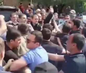 Визит Пашиняна на юг Армении спровоцировал драку