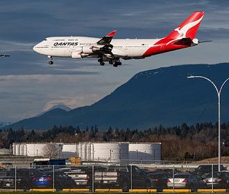 Пассажиру самолета выставили счет в 770 миллионов долларов