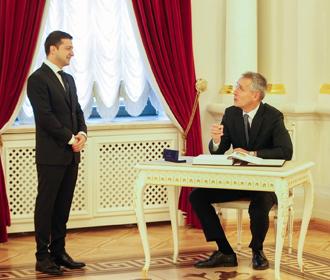 Украину не будут приглашать на саммит НАТО - Столтенберг