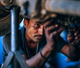 ВОЗ: ежегодно сотни тысяч людей умирают из-за сверхурочной работы
