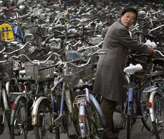 Китайцам запретили пышные вечеринки и похороны ради экономии