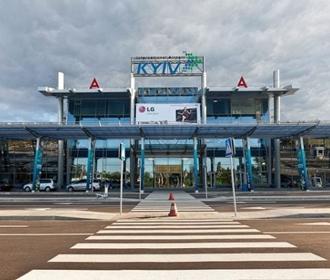 """В аэропорту """"Киев"""" подтвердили задержку вылетов пассажирских самолетов из-за репетиции воздушной части парада"""