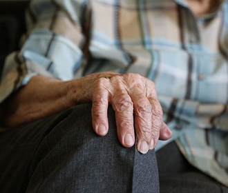 Коронавирус вызывает смертельную болезнь у стариков — исследование