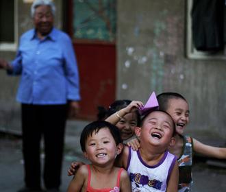 Китай начнет вакцинировать от COVID-19 детей с трехлетнего возраста