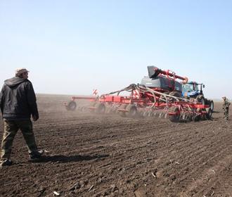 В Украине заключено 7,1 тыс. сделок купли-продажи земли сельхозназначения после старта рынка