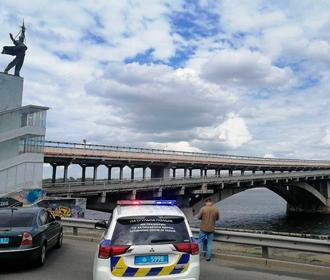 В Киеве перекрыли мост Метро