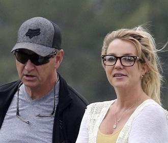 Новый адвокат Бритни Спирс потребовал отстранить отца певицы от опекунства над ней