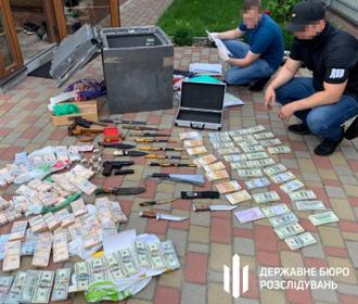 Экс-руководители Минобороны и Кузницы на Рыбальском, принадлежавшей Порошенко, заработали на армии 475 млн грн, - ГБР