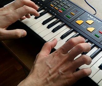 MIDI-клавиатуры для начинающих. Особенности выбора.