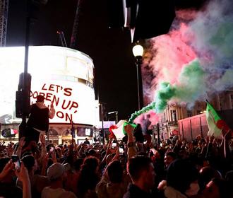 В ходе празднования победы Италии на Евро пострадали 15 человек