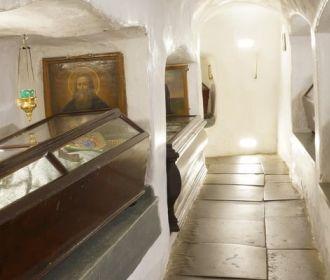 Киево-Печерская Лавра просит власть помочь срочно ликвидировать аварийную ситуацию в лабиринтах Ближних пещер