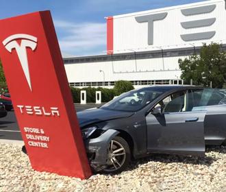 В США начали официальное расследование из-за автопилота Tesla