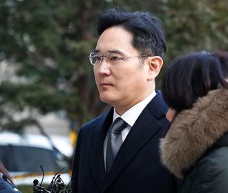 Вице-президент Samsung освобожден из тюрьмы досрочно
