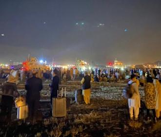 Из Кабула уже эвакуировали более 18 тысяч человек - НАТО