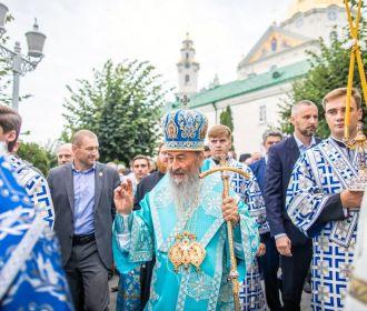 В Почаеве тысячи верующих УПЦ отмечают праздник Чудотворной иконы Богородицы