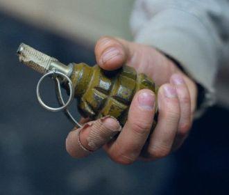 В Одессе мужчина угрожал взорвать гранату в школе
