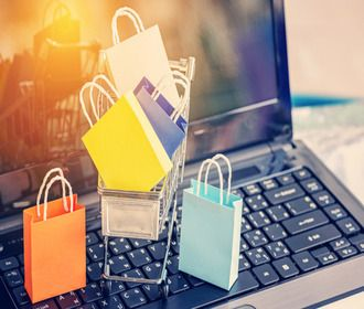 Где лучше покупать гаджеты: в онлайн-магазинах или офлайн?