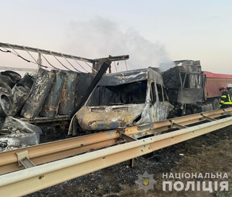 На трассе Киев-Одесса произошло масштабное ДТП с возгоранием