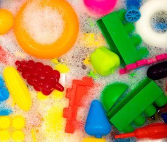 Химикаты в пластике, игрушках и косметике связали с десятками тысяч смертей в США